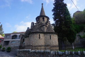 リポイの教会ガウディ―の弟子作
