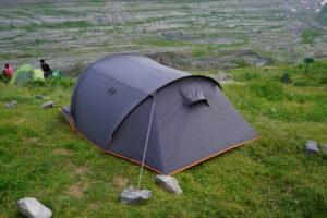 ゴーリツ小屋の横にテント