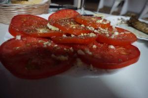 夕食のトマト