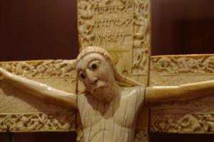 象牙のキリスト像