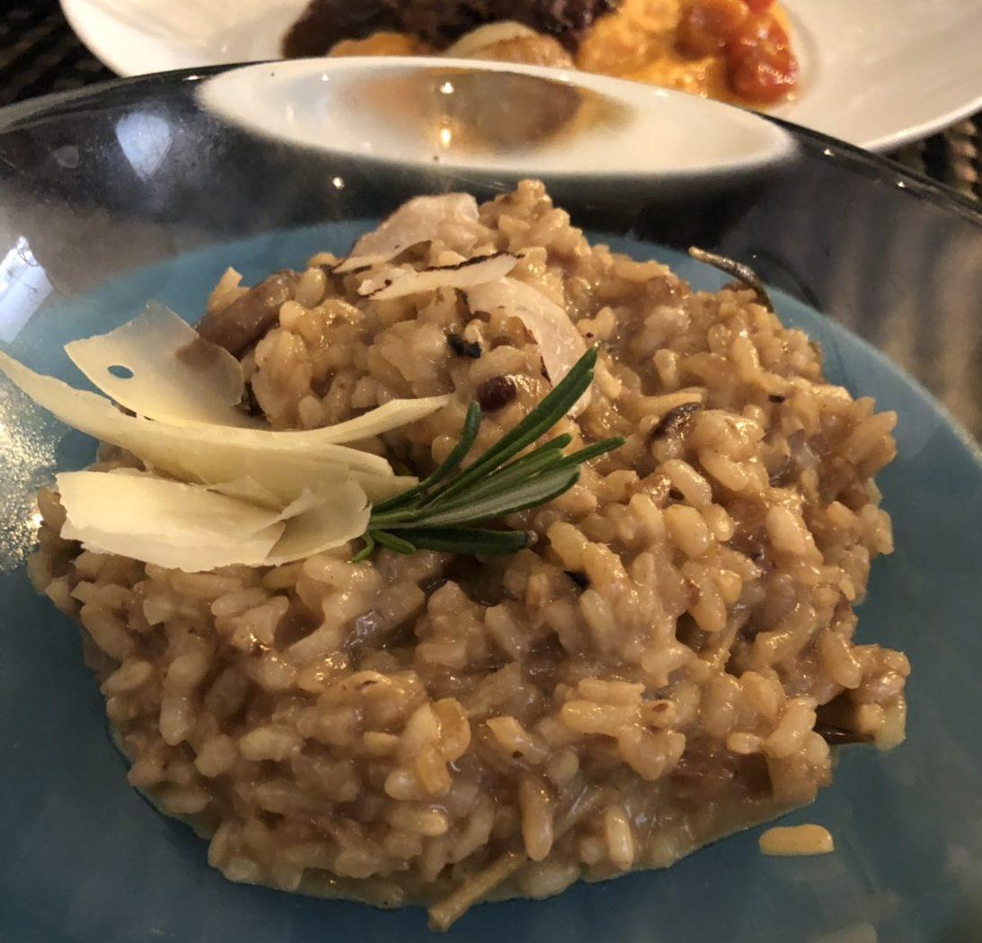 マドリードのマラサーニャ地区にあるバル「ラ・ドミンガ」はフージョン料理を楽しめるバル・レストラン