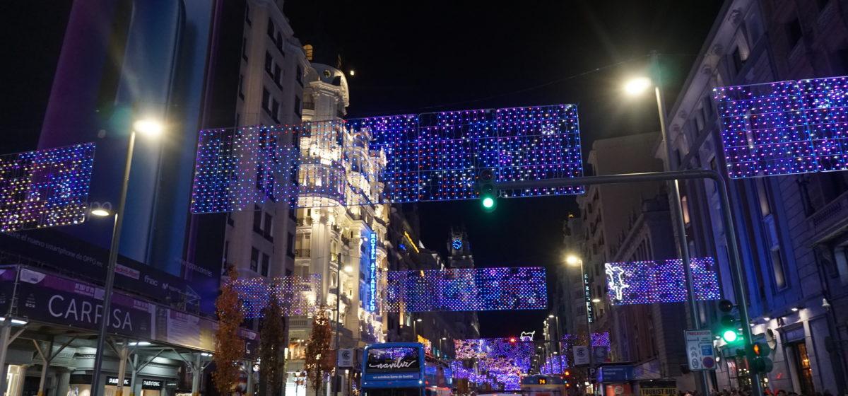 「年末年始、クリスマス時期にマドリードにいる人へ」イルミネーションを徒歩と路線バスで楽しむルートを考えた