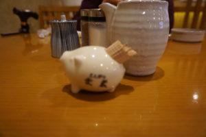 神戸のグルメ、とんかつの武蔵店内