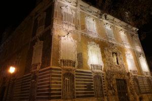 バレンシア陶器博物館の夜景