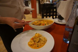 ポルトのレストラン アバディア ド ポルトで魚介のオジヤ